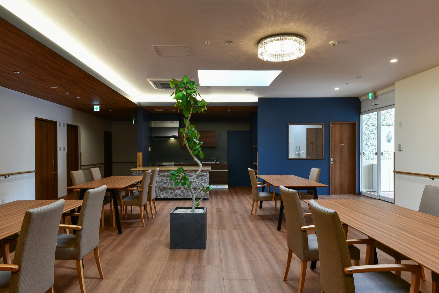 今回設計・デザインさせていただいた住宅型有料老人ホームマイホーム西阿知は、福祉先進国である北欧の「良いデザインを長く大切に使う」という文化を見習いながら、  ...