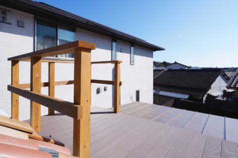 ロフトと屋上デッキのある家(児島の家)